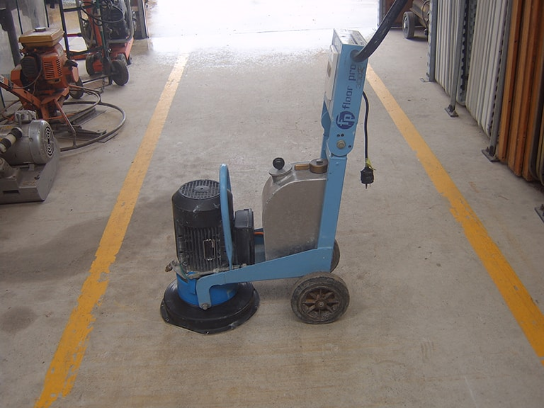 Concrete floor grinder/diamond