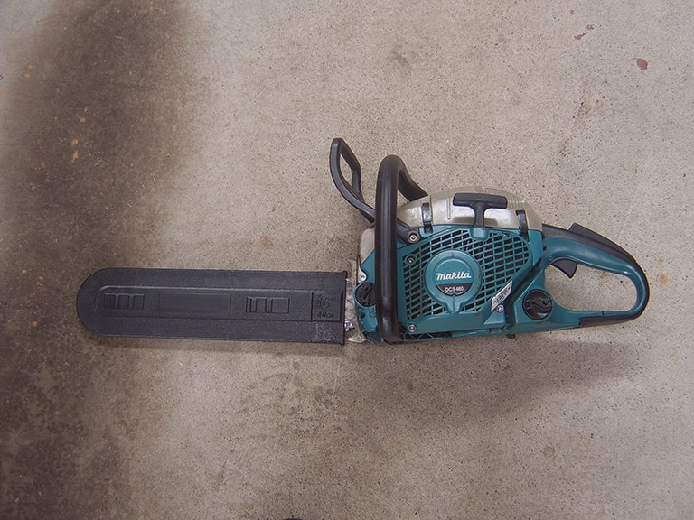 Chainsaw 18in (2 stroke)